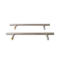 Ручка для алюминиевых дверей со смещением, комплект с креплением, L=650, межосевое расстояние=450, D=32, матовая